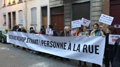 Manifestation contre la limitation à 60 demandes d'asile par jour de Theo Francken (N-VA)