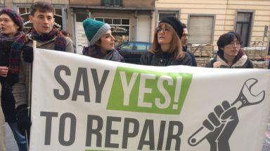 Des manifestants exigent des produits facilement réparables de l'UE