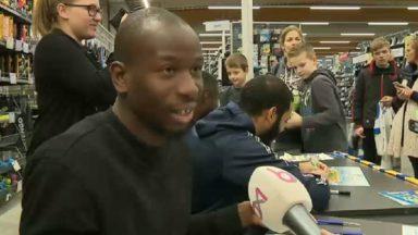 Séance de dédicace pour les joueurs de l'Union Saint-Gilloise