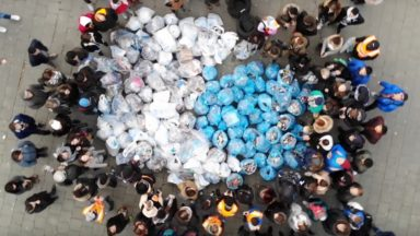 """Plus de 150 personnes ramassent 550 kilos de déchets dans les rues de Bruxelles lors d'une """"Greenwalk"""""""