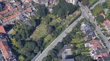 """Schaerbeek: des riverains défendent le """"Carré des Chardons"""" menacé par un projet immobilier"""