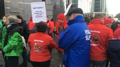 Restructuration chez Proximus : près de 2.000 grévistes devant les tours Proximus