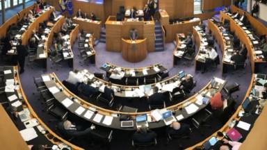 Le parlement bruxellois adopte de nouvelles règles pour s'ouvrir à la société civile