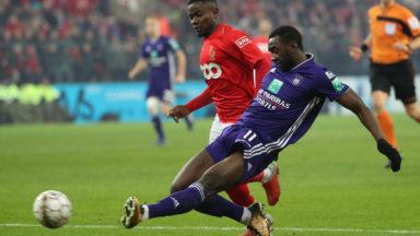 Le RSC Anderlecht quitte le top 6 après sa défaite face au Standard