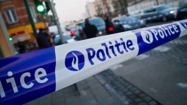 Course-poursuite sur le ring à Bruxelles: une voiture de police endommagée