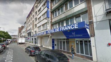 Bébé retrouvé inconscient dans un hôtel de Saint-Gilles : l'autopsie n'apporte pas de réponses