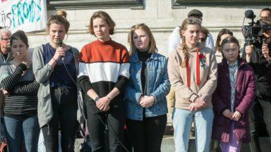 """Les militants de """"Youth for Climate"""" portent leur message au Parlement européen"""
