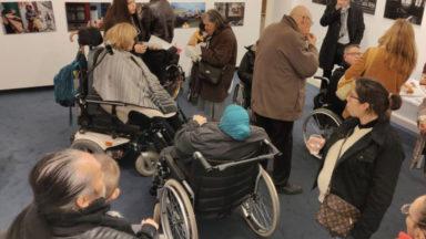 Le Musée juif de Belgique et une compagnie de taxis s'engagent pour les personnes à mobilité réduite