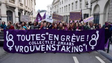 """Un millier de femmes au centre-ville pour """"récupérer l'espace public"""""""