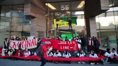 150 activistes bloquent l'accès au centre d'investissement de BNP Paribas Fortis gare du Nord