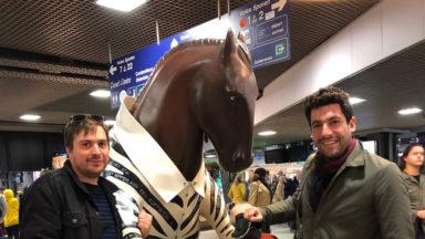 Les Britanniques veulent conserver le cheval zébré de la gare du Midi