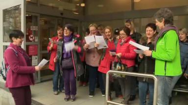 Uccle: grève des travailleuses d'un supermarché pour exprimer le ras-le-bol des inégalités femmes-hommes