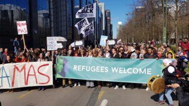 Plusieurs milliers de personnes marchent à Bruxelles pour dire stop au racisme