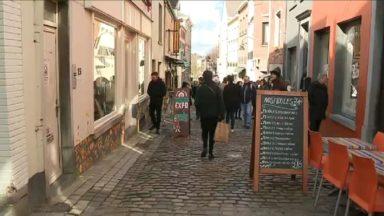 Un chantier de la rue des Renards dans les Marolles contesté par les riverains et commerçants