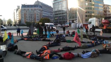 Action pour le climat ce matin au square Schuman (VIDEO)