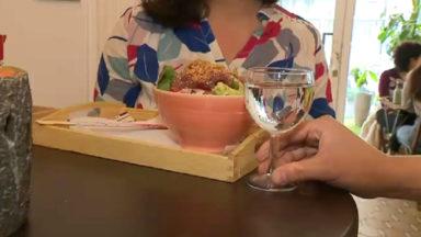 Carafe gratuite à table : 90 restos se jettent à l'eau