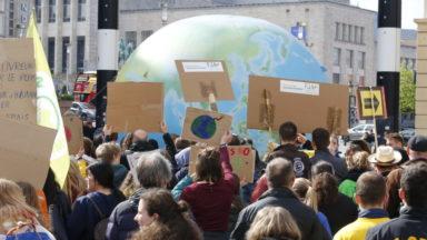 Jeudis pour le climat : 500 manifestants à Bruxelles, entre espoir et déception