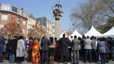 Une stèle érigée sur l'avenue Roger Vandendriessche à Woluwe-Saint-Pierre en mémoire aux victimes du génocide rwandais