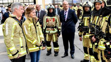 Le roi Philippe et la princesse Elisabeth ont visité une caserne de pompiers à Bruxelles