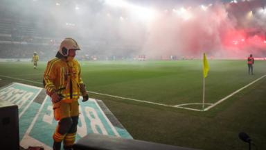 Le choc Standard-Anderlecht interrompu définitivement suite à des lancers de fumigènes