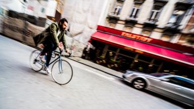 57,3% des travailleurs d'entreprise utilisent les transports en commun pour aller travailler
