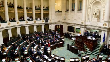 Féminicide : deux textes déposés à la Chambre visent l'inscription du terme dans le code pénal