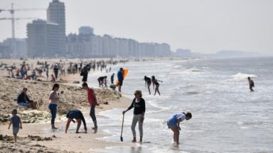 Avis aux voyageurs bruxellois : Knokke bannit les touristes d'un jour jusqu'à la fin de la canicule