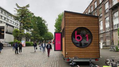 Élections 2019 : la caravane passive de BX1 s'installe sur le site du Solbosch pour parler d'enseignement