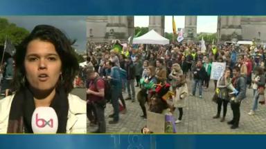 Flash mob et concert de Sysmo ont marqué la fin de la marche pour le climat et la justice sociale au parc du Cinquantenaire