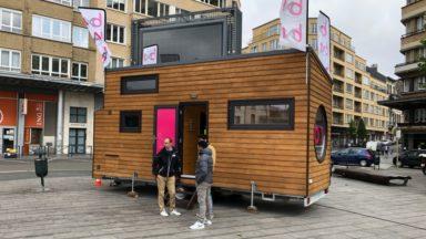 Élections 2019 : la caravane passive de BX1 installée à Flagey pour parler logement