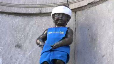 Le Manneken Pis en tenue de coureur pour les 40 ans des 20 km de Bruxelles