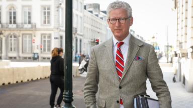 Des Belges attaquent l'Etat et le ministre de l'Intérieur sur le confinement