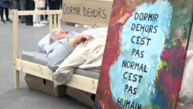 """""""Droit à un Toit"""" place des lits dans Bruxelles pour une vraie politique de lutte contre le sans-abrisme"""