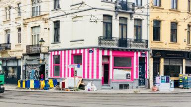 Saint-Gilles: une façade rose sans permis fait polémique