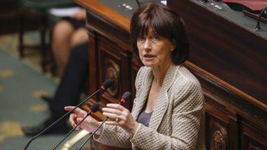 """Le Vlaams Belang porte plainte contre Laurette Onkelinx, la présidente du PS bruxellois """"persiste et signe"""""""