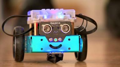 NeuroAtt : un robot imaginé par l'ULB pour corriger les troubles de l'attention et du rythme