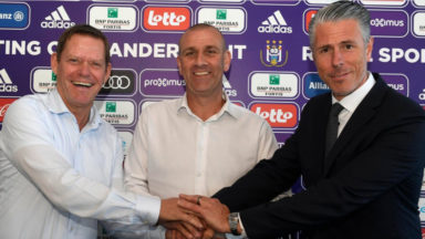 Le Gallois Simon Davies est le nouveau coach principal du Sporting d'Anderlecht