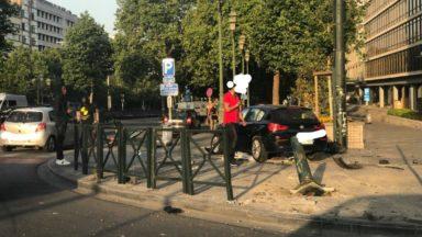 Accident de voiture ce dimanche matin au rond-point Louise, le conducteur transporté à l'hôpital