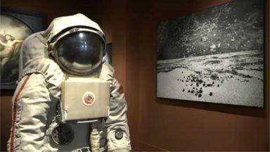 """""""Moon"""" expose une combinaison authentique de cosmonaute russe de 1970 au Sablon"""