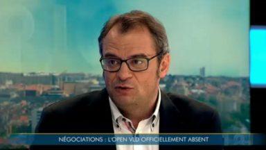 Rue de la Loi : pourquoi l'Open VLD tente la stratégie de la chaise vide à Bruxelles