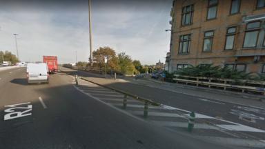 Schaerbeek : accident entre une voiture et un scooter fait un blessé