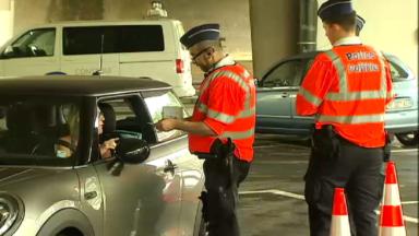 """Auderghem : Bruxelles-Mobilité réalise son premier """"super contrôle"""" routier"""