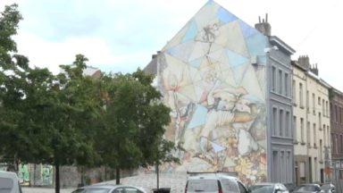 """""""A fleur de mur"""", la nouvelle fresque dans le quartier Maritime de Molenbeek"""