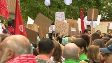 Quelque 350 manifestants devant la faîtière d'Iris à Saint-Gilles