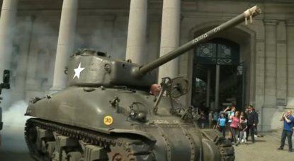Défilé militaire - Tank 2e Guerre Mondiale