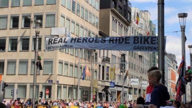 Greenpeace profite du Tour pour appeler à une politique pour favoriser l'usage du vélo