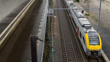 Accident mortel d'un cheminot : la circulation des TGV vers la France suspendue