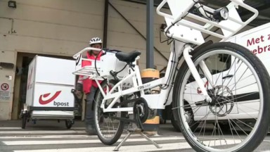 Bpost : les facteurs se mettent au vélo-cargo pour distribuer le courrier