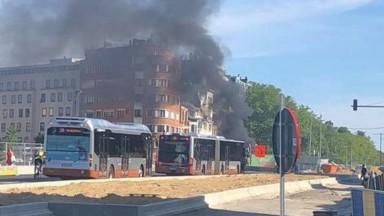 Schaerbeek : une camionnette en feu après un accident à Diamant