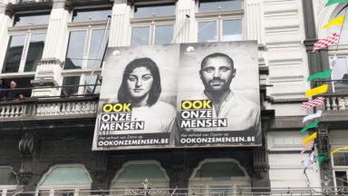 Des affiches recyclées du Vlaams Belang souhaitent la bienvenue aux réfugiés